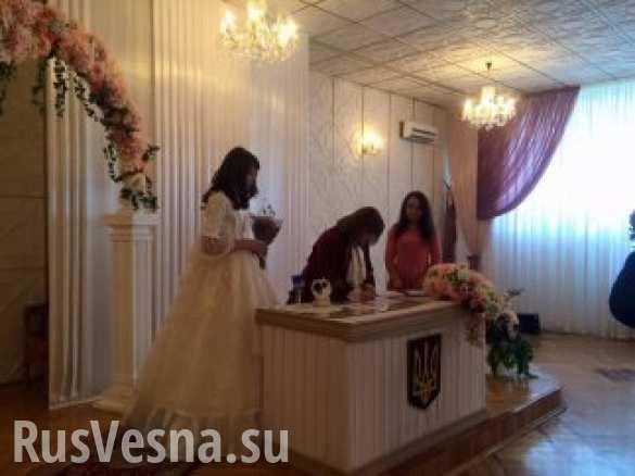 lesbi-svadba-v-turtsii-dolg-seksom