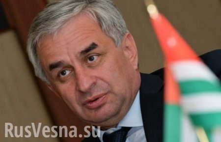 Президент Абхазии отказался уходить вотставку игрозит чрезвычайным положением (ВИДЕО)