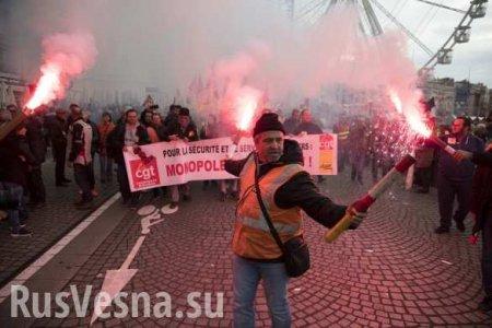 Власти Франции уступили протестующим