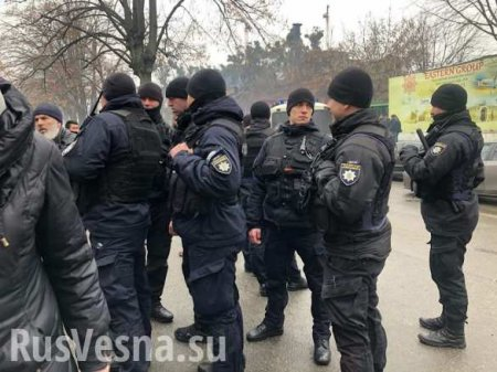 «Стыд и позор»: Украинские мусульмане жалуются на притеснения со стороны полиции (ФОТО)