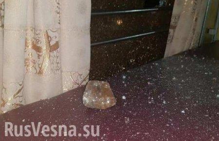 Хроники средневековья наУкраине: Неизвестные забросали камнями поезд «Льво ...