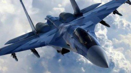 Пилоты немецкого военного самолёта в небе передали привет экипажу сопровожд ...