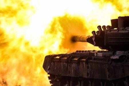 Одним выстрелом из танка «ВСУшник» поразил три цели: свой учебный корпус, с ...