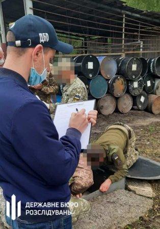 Банда офицеров ВСУпохитила из воинской части топливо намиллионыгривен (ФОТО)