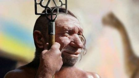 Дикая Украина: Голые мужчины устроили забег в центре Киева (ВИДЕО 18+)