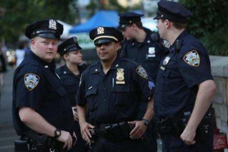 Полицейского задержали после применения удушающего приёма в Нью-Йорке