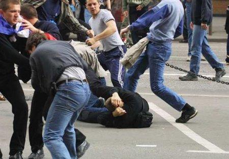 ВМоскве произошла массовая драка между курьерами (ВИДЕО)