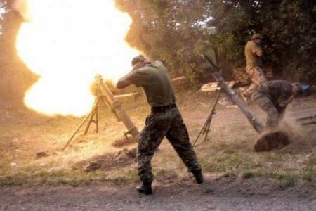 Украинские боевики уничтожают Зайцево иДокучаевск (ВИД ...