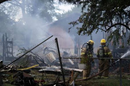 В США самолёт рухнул на жилойдом, погибли несколько человек (ФОТО, ВИДЕО)