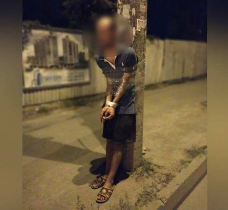На Украине извращенца примотали скотчем к столбу (ФОТО)