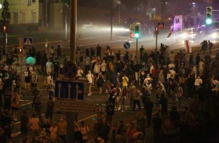 ОМОН в Бресте: первые задержания, начались стычки (+ВИДЕО, ФОТО)