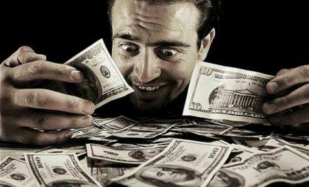 Россияне рассказали, за какую зарплату готовы работать безвыходных и отпуска