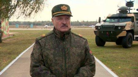 «Остановите своих безумных политиков»: Лукашенко закрывает границу с Украиной, Польшей и Литвой и перебрасывает войска (ВИДЕО)