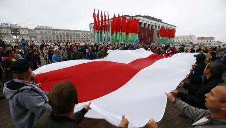 «Я костьми лягу, но БЧБ-флаг никогда не поднимется над нашей страной!» — белорусский офицер (ВИДЕО)
