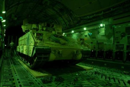«Летят пугать русских»: после стычек с армией России США срочно перебрасывают войска в Сирию (ФОТО)