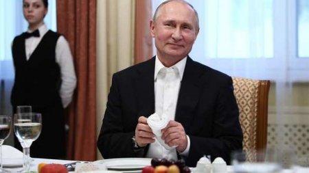 Доброе утро, США! С днём рождения, мистер Путин! — посольство в Москве слегка потроллили (ФОТО)