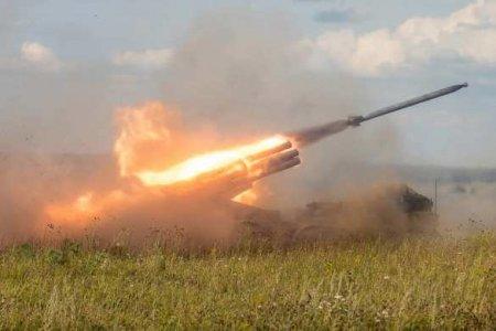 Бронетехника и РСЗО: Азербайджанские войска атакуют на южном направлении