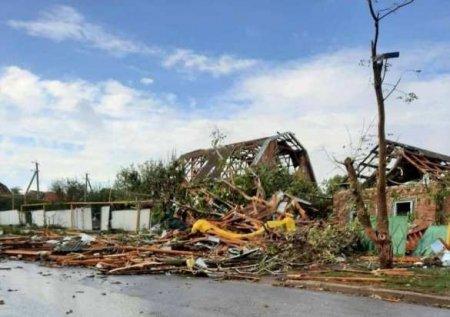 Разрушены даже стены: в Кировограде мощный ураган разнёс дома в считаные минуты (ФОТО, ВИДЕО)