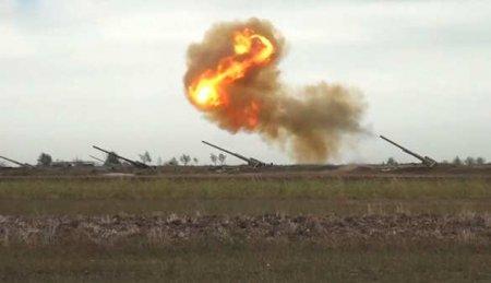 ВС Азербайджана бьют по целям в Карабахе (ВИДЕО)