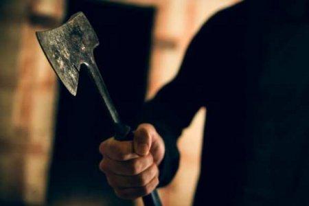 «Мы отрубим тебе голову!» — во Франции угрожают казнить мэра