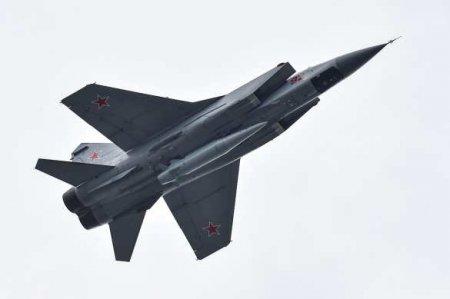 20000 м над землёй: Воздушный бойвстратосфере истребителей МиГ-31морской авиации ВМФ (ВИДЕО)