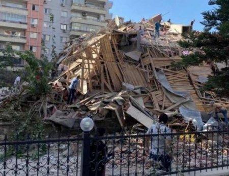 Землетрясение в Турции: спасатели разбирают завалы и считают погибших (+ФОТО)