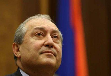 Президент Армении: Власть должна перейти кправительству национального согласия
