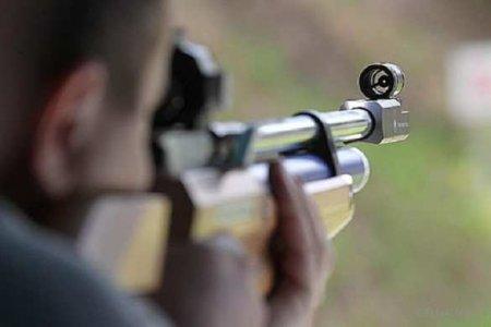 Подросток начал стрелять сбалкона, пострадала 6-летняя девочка