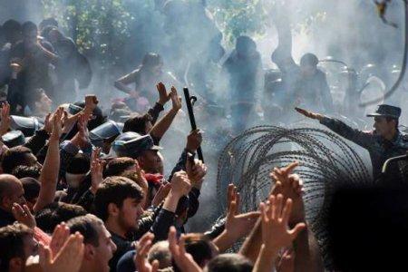 «Они хотят кровью прийти квласти, какивсегда»: Пашинян обратился к народу (ВИДЕО)