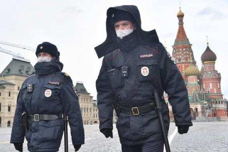 Полицейский ранил 13-летнюю девочку вМоскве: кадры происшествия (ВИДЕО)