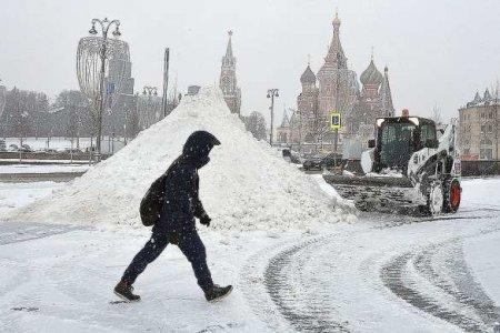 ВМоскве идёт ледяной дождь (ВИДЕО)