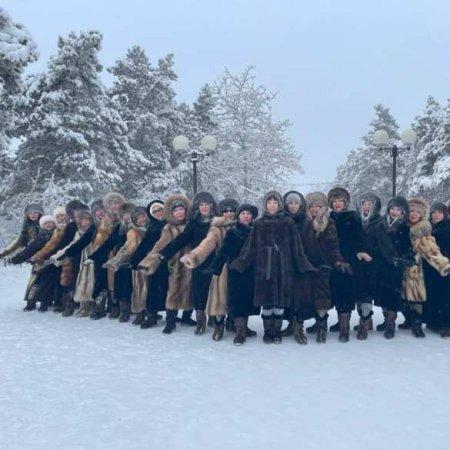 Стоял чудесный лёгкий мороз: танцы жительниц Якутии в минус 45 восхитили Сеть (ФОТО, ВИДЕО)