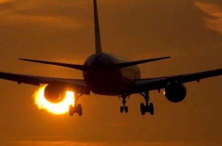 Борт ВВС Мексики рухнул и загорелся: весь экипаж погиб (ВИДЕО)