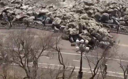 Нападение Амура на Хабаровск: разгромлена набережная (ВИДЕО)