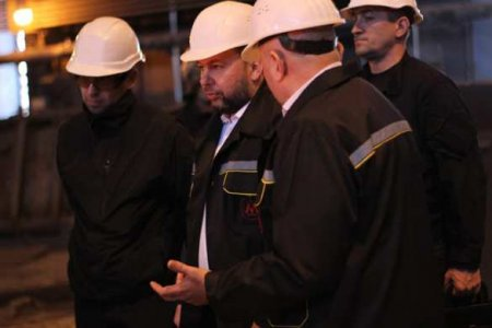Глава ДНР встретил первомай со сталеварами (ФОТО, ВИДЕО)