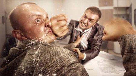 Драка впрямом эфире: «Слуга народа» против экс-нардепа (ВИДЕО)