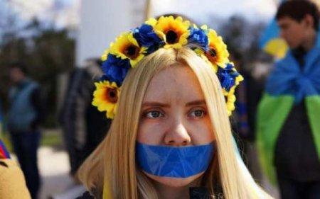 «Парад быдла»: Отважная девушка на марше вышиванок вХарькове назвала клич «Слава Украине!» нацистским (ВИДЕО)