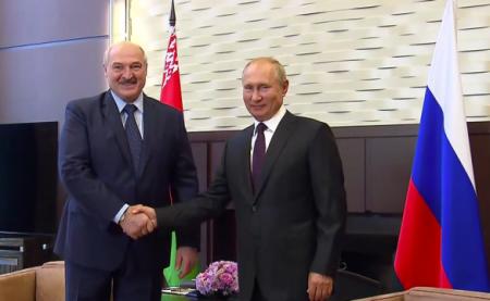 Теперь сменя взятки гладки: Лукашенко ответил навопрос обавиасообщении с ...