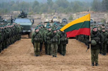 Этовойна: Литва ввела режим ЧСиновые запреты