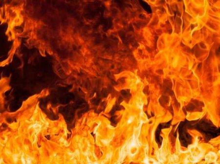 Сильный взрыв ипожар вДонецке (ФОТО, ВИДЕО)