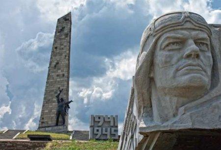 Надо ли и как восстанавливать Саур-Могилу в ДНР? (ВИДЕО)