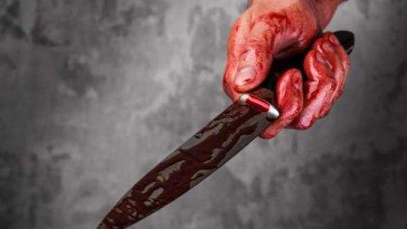 Юный спортсмен вступился за девушек и получил удар ножом от бородатого мужчины (ВИДЕО)