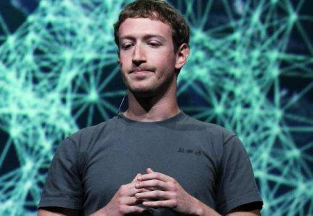 Цукерберг ответил на обвинения экс-сотрудницы Facebook, после заявления которой рухнули соцсети
